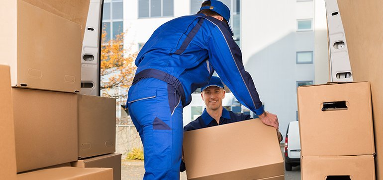 How do professional packers pack home appliances?